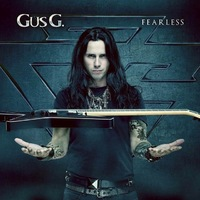 GUS G. zeigt, wie man 'Thrill Of The Chase' spielt